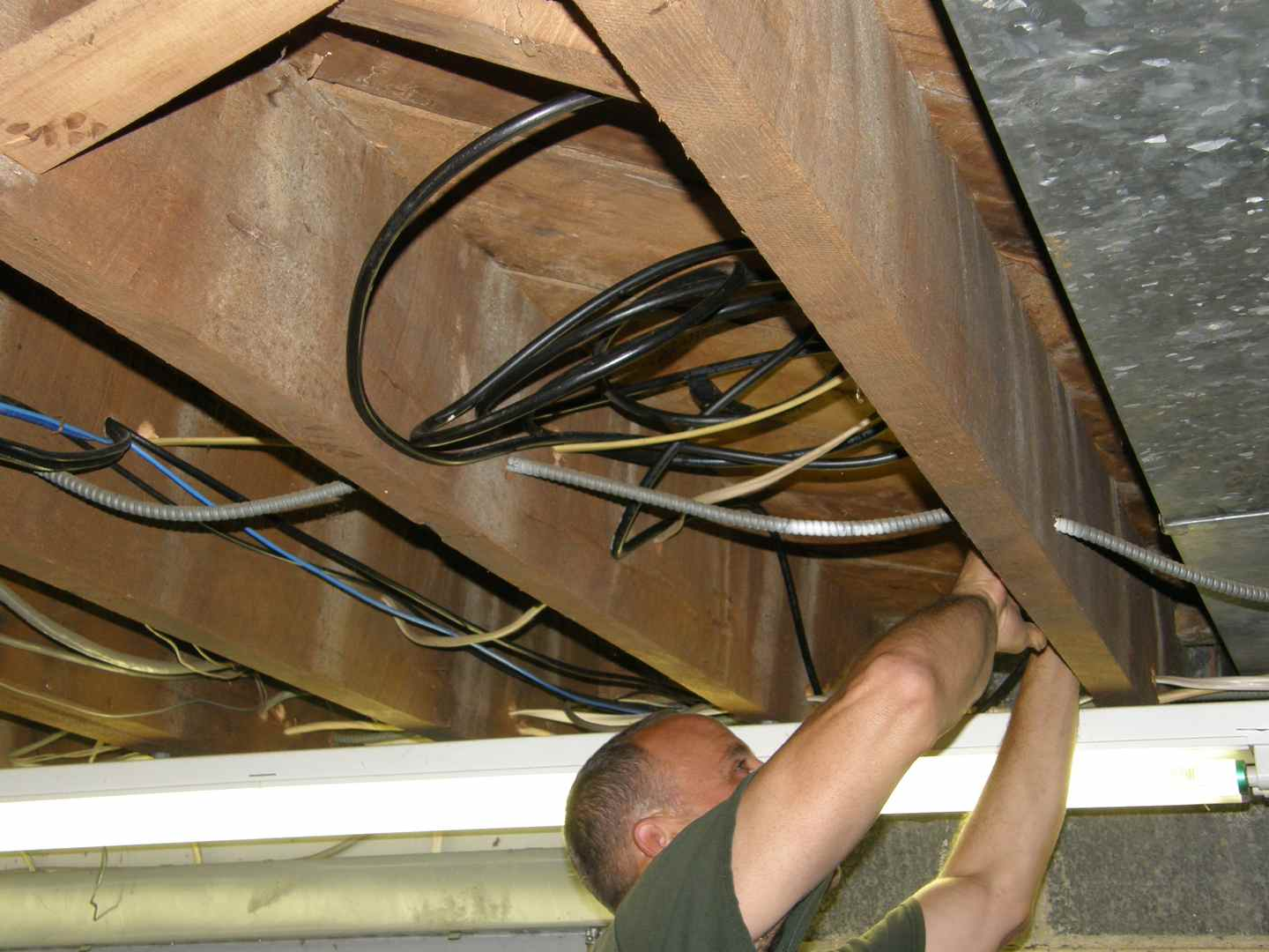 R.L. Thompson Electrical Contractor